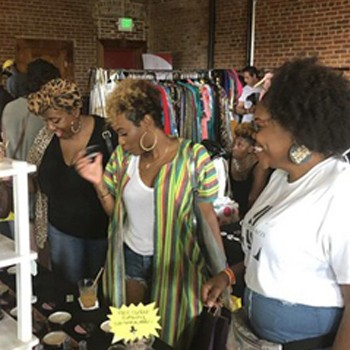 BlackOwnedBusiness J'LUXE SCENTS &CO Businessowner Founder